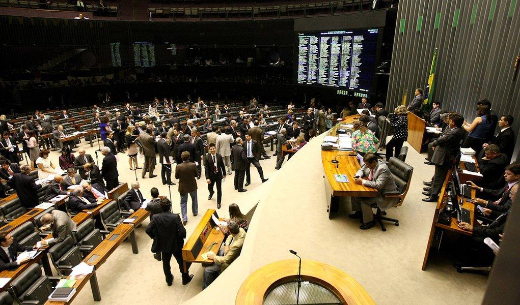 MP dos Portos vira 'monstrengo' e votação cai