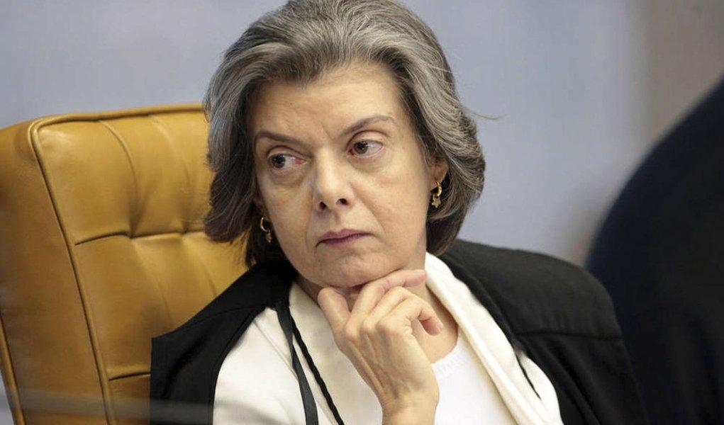 Ministra do STF pede informações sobre posse de Aragão
