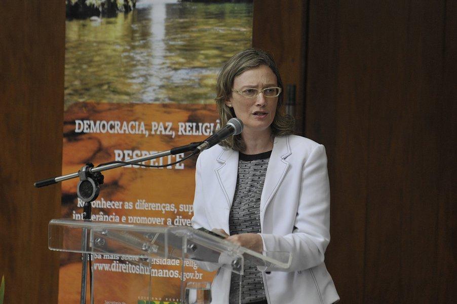 Maria do Rosário sobre chefe de gabinete do TRF4: falta de postura e ética