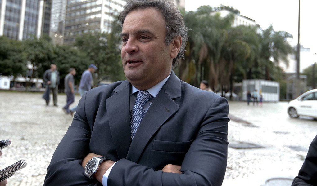 Aécio vai trocar Zona Sul, do Rio, pela periferia