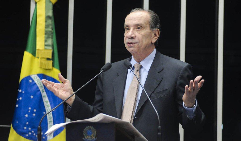 """Aloysio: proposta de plebiscito é """"insensata"""""""