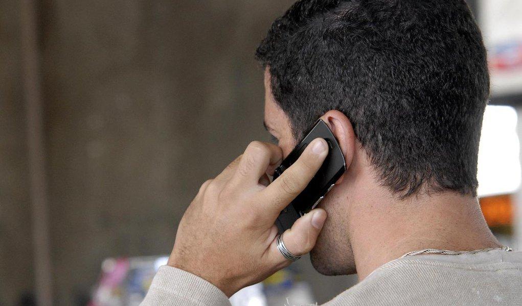 Conta de celular vai ficar até 20% mais cara em janeiro