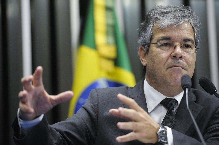 Jorge Viana destoa do PT e defende partido de Marina
