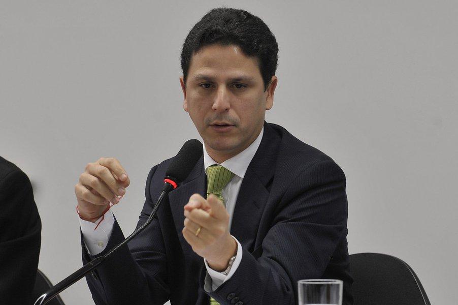 As misteriosas férias do ministro Bruno Araújo