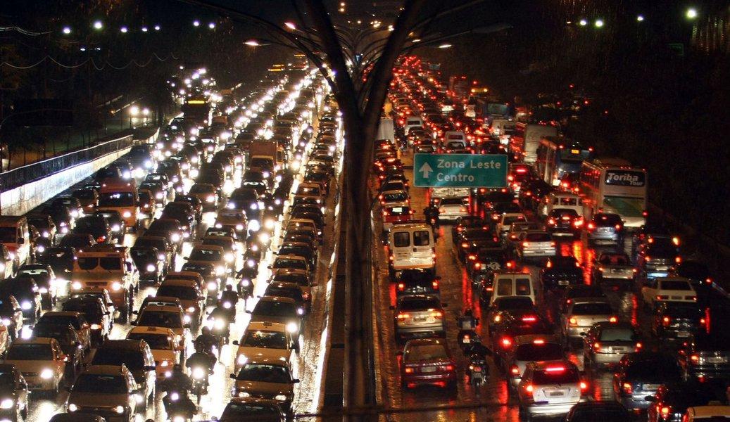 Economistas propõem fim da zona azul em São Paulo