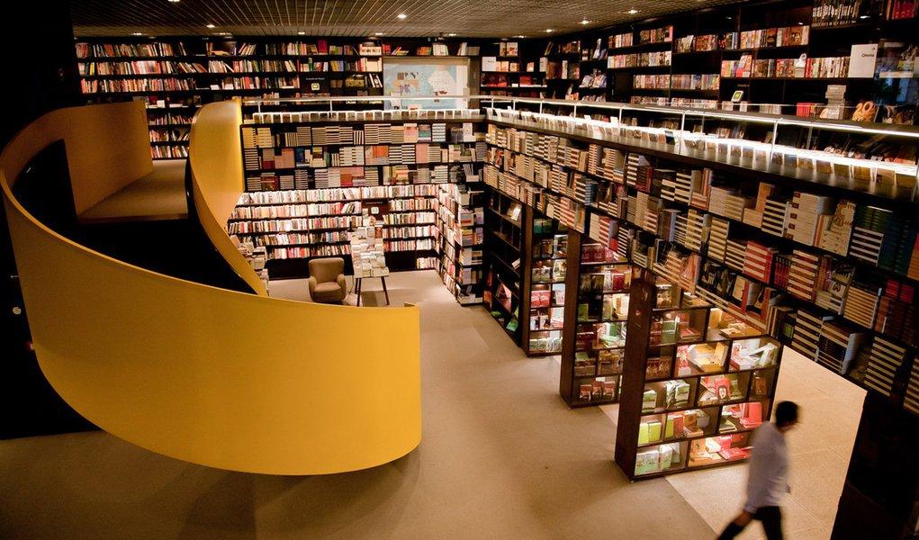 Bienal do Livro de São Paulo mira vendas aquecidas