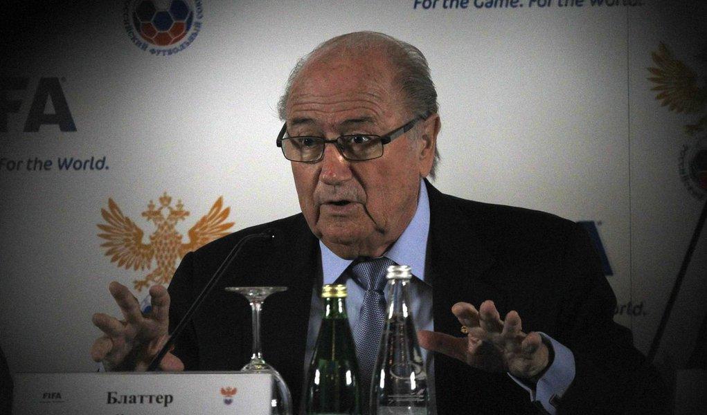 Blatter diz que pode concorrer de novo na Fifa