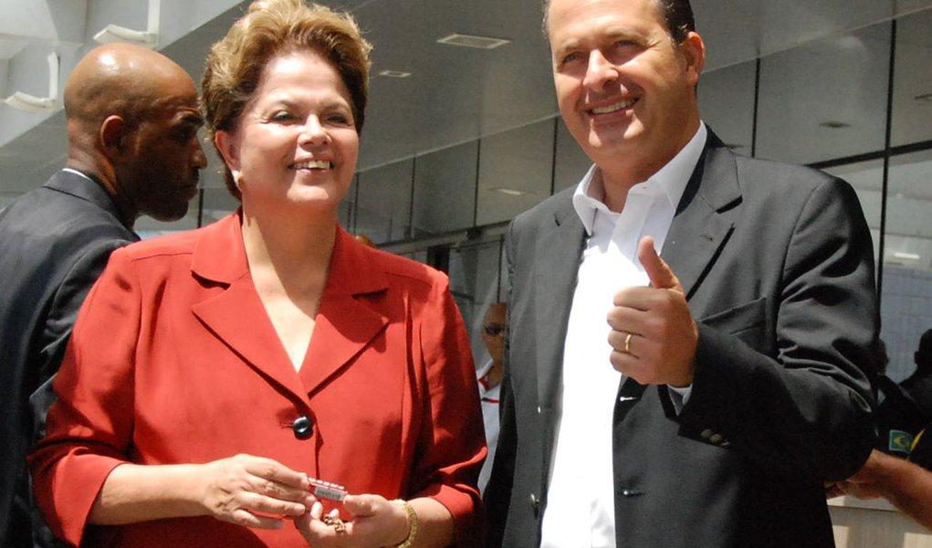 Dilma amplia o cerco ao PSB para se fortalecer