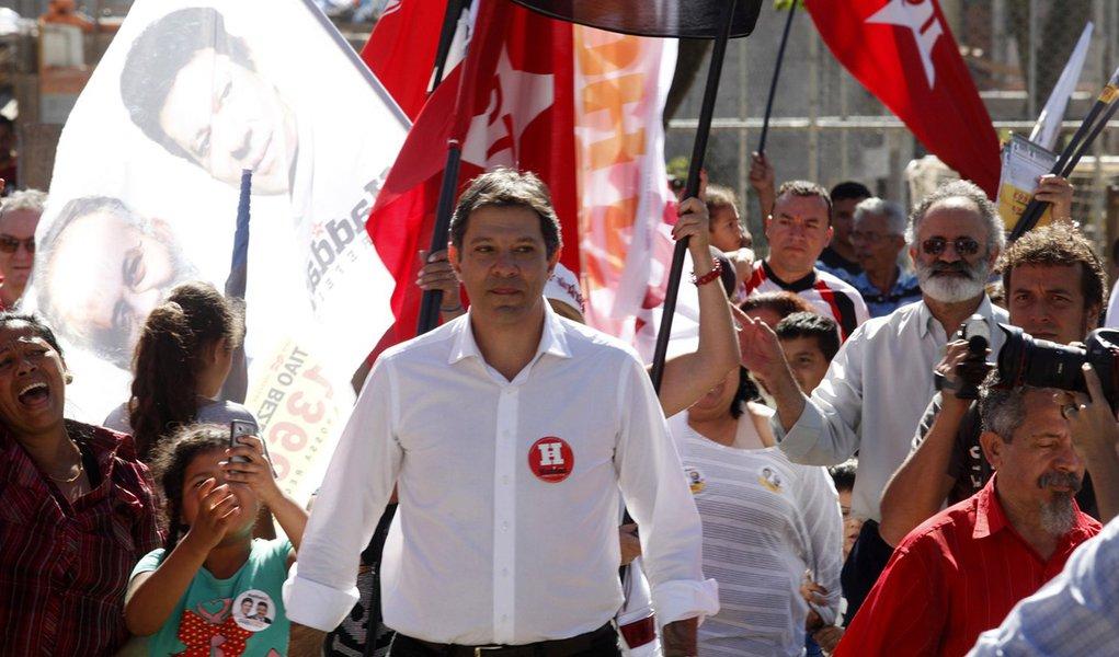 Sem Marta e Dilma, Haddad é só Lula