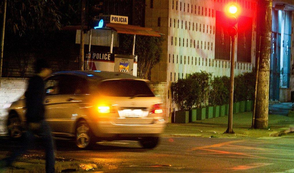 Bruno Covas demora cinco dias para consertar um semáforo