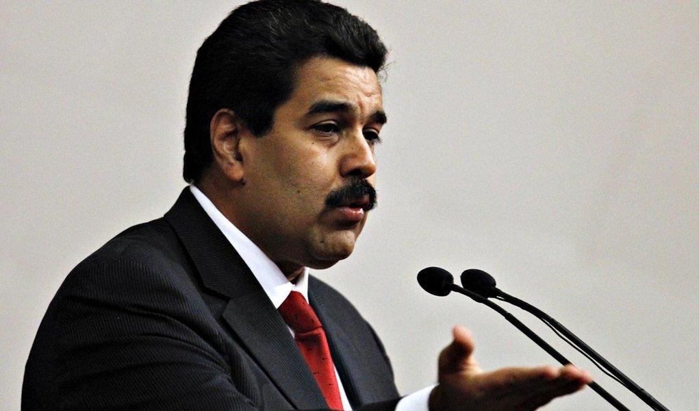 Maduro diz que Chávez está feliz pela Venezuela