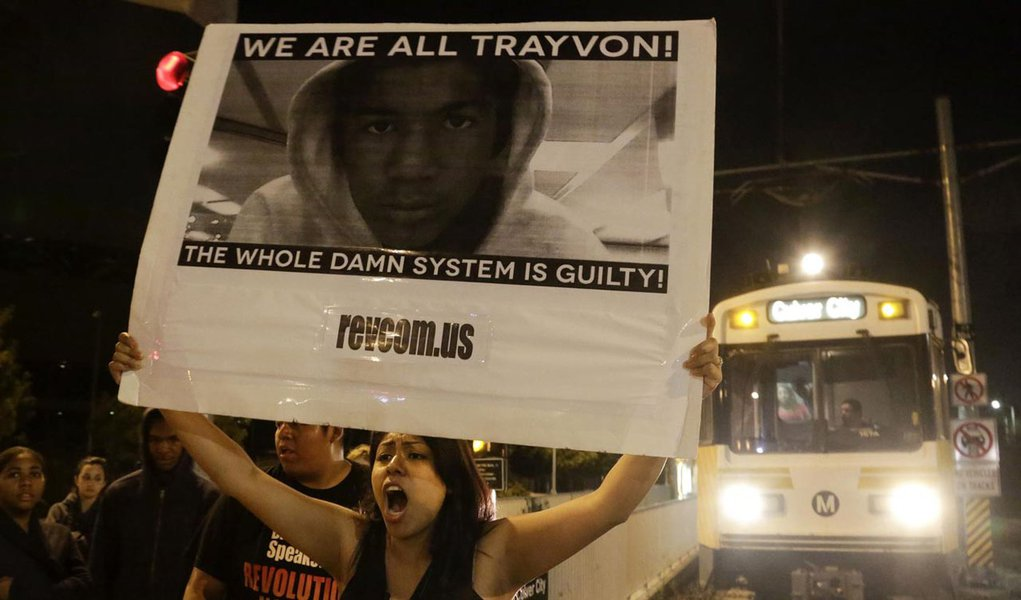 Branco inocentado por morte de negro causa indignação nos EUA