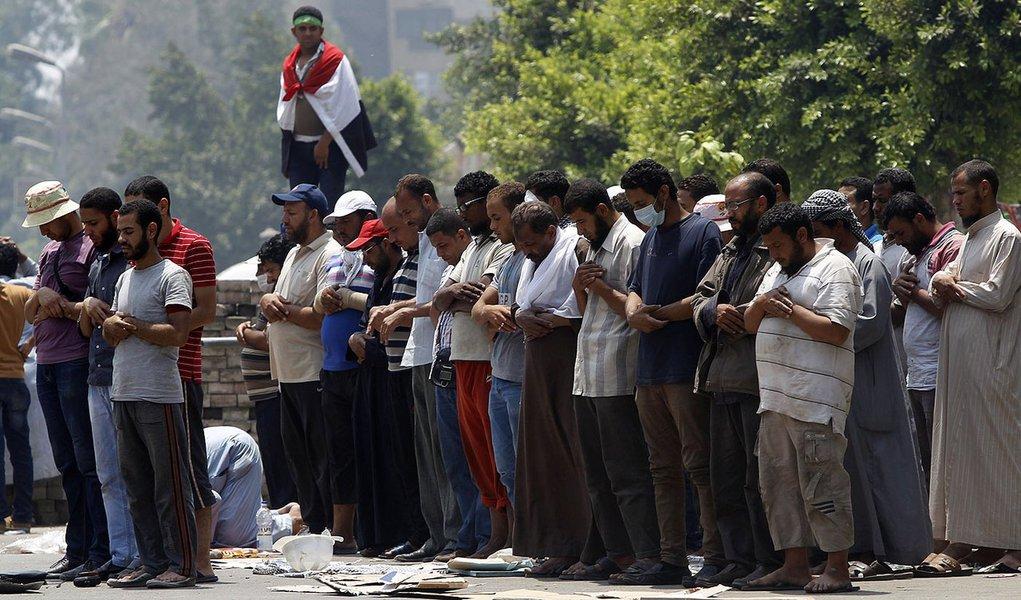 Egito vai realizar eleição parlamentar em 6 meses