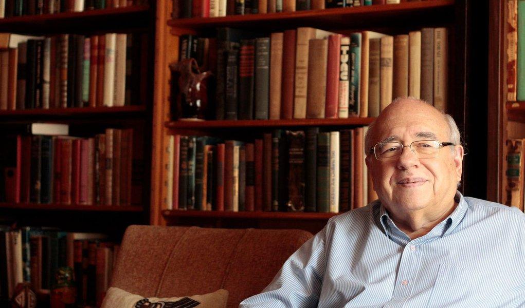 Luiz Fernando Verissimo: 'a ideia é que a literatura ilumine o mundo'