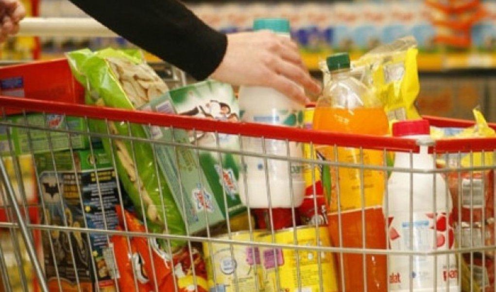 Preço da cesta básica sobe nas 17 capitais pesquisadas pelo Dieese