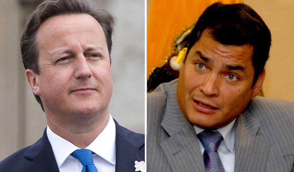 Reino Unido tenta negociar com Equador