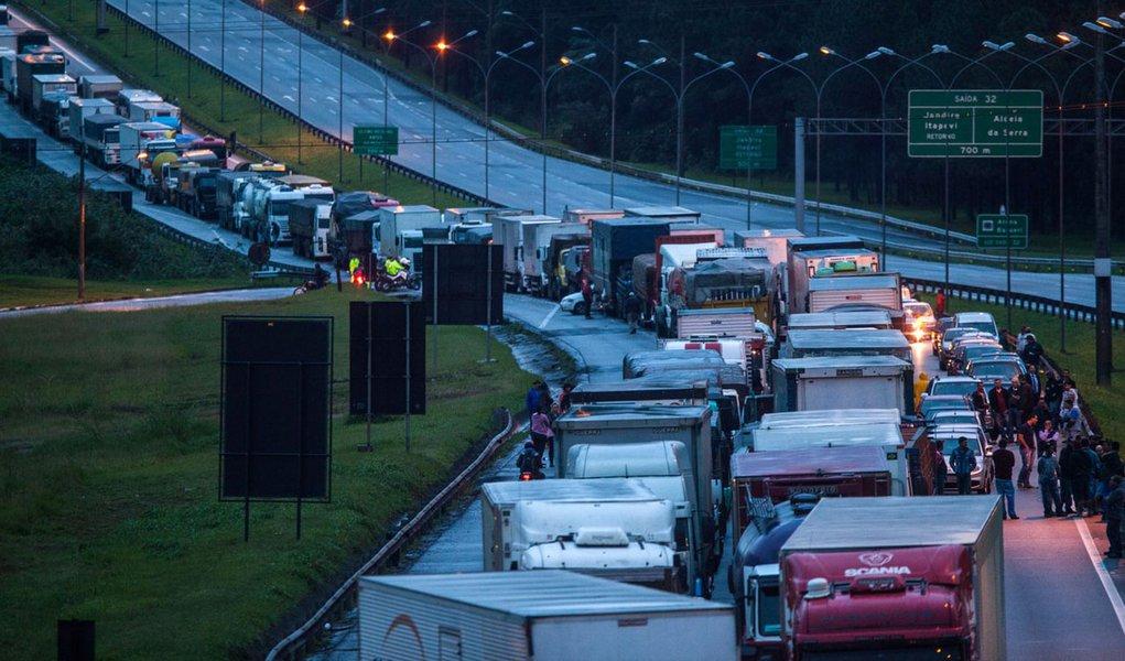 Crise de abastecimento pode levar a mais um golpe