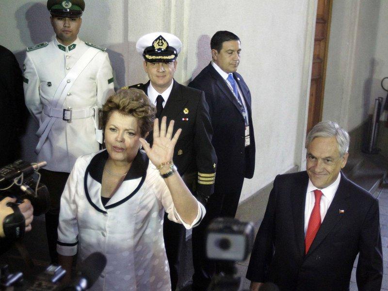 Candidata, eu? Dilma diz que mídia a lançou
