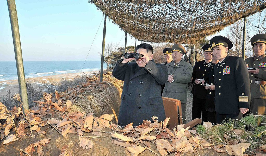 """Coreia do Norte vê guerra """"a qualquer momento"""""""