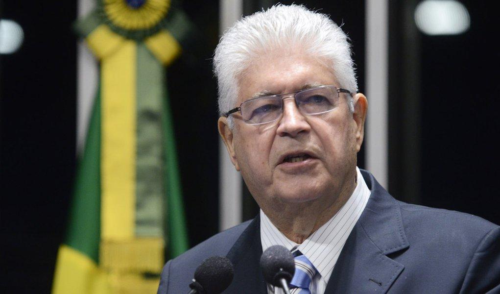 Requião diz que vai ao STF contra criação de estatal de logística