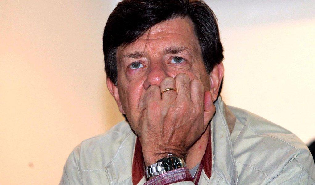 Na retranca, Itaú Unibanco vê seu lucro encolher