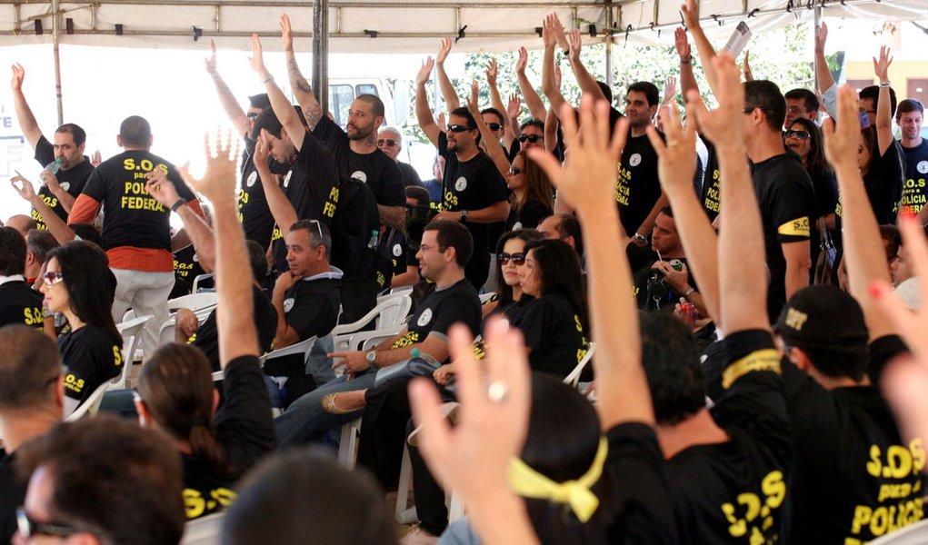 PF em greve, por tempo indeterminado
