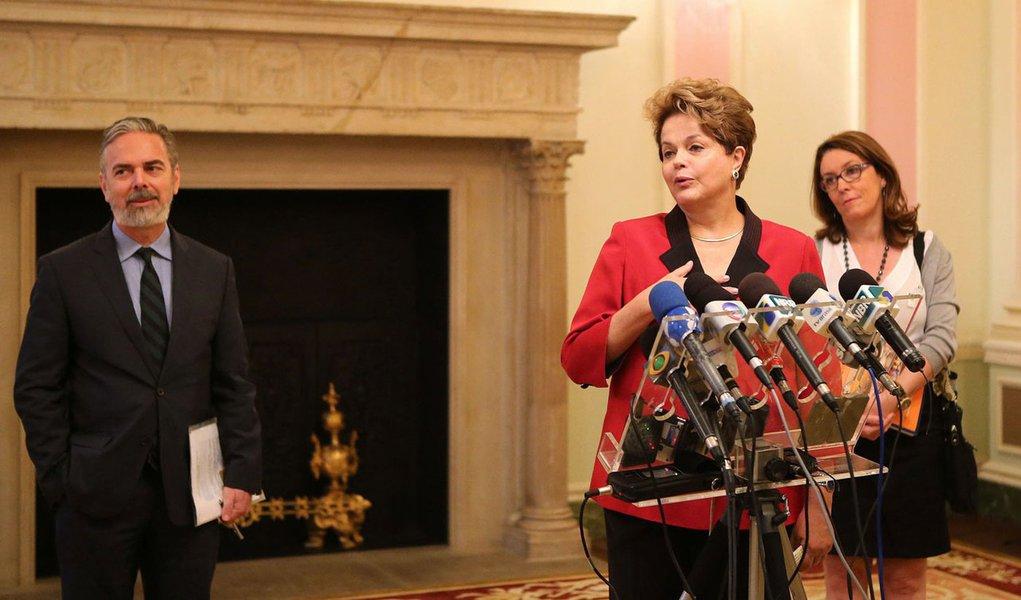 De Londres, Dilma encara montadoras e ameaça GM