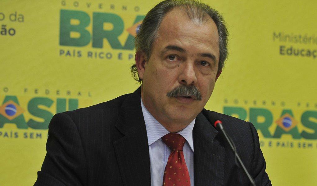 Governo fez seu papel sobre reforma política, diz Mercadante