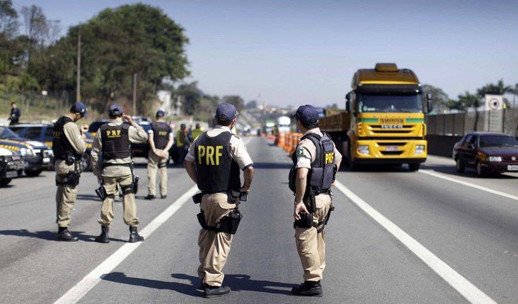 Grandes obras podem parar com a greve da PRF