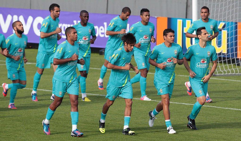 Seleção brasileira treina para amistoso desta quarta-feira