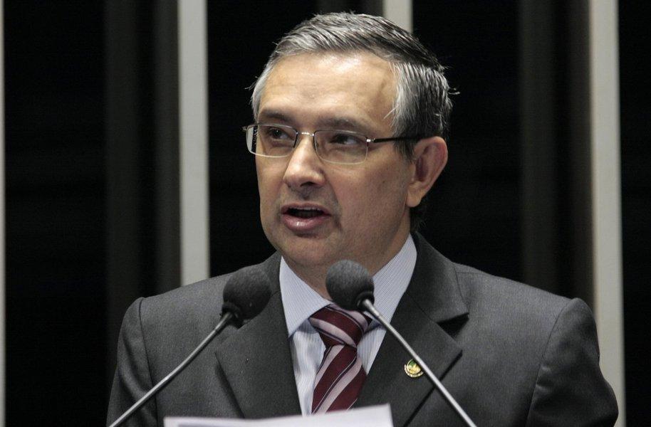 Em discurso na tribuna do Senado, senador Eduardo Amorim (PSC-SE)