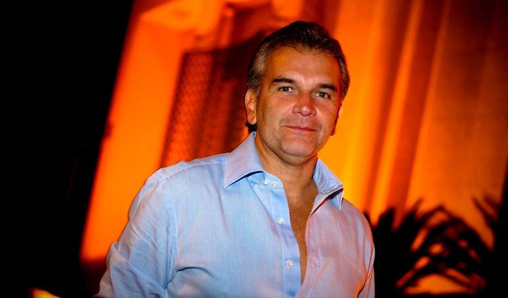 Bon vivant,  Índio da Costa, do Cruzeiro do Sul, deixou rombo de R$ 3,1 bi