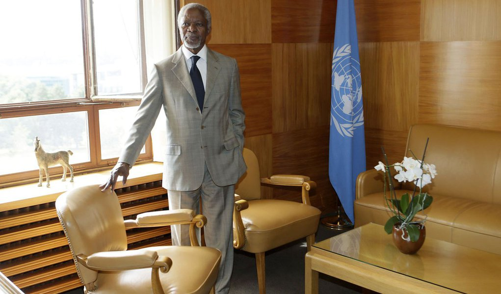 Kofi Annan desiste de missão da ONU na Síria