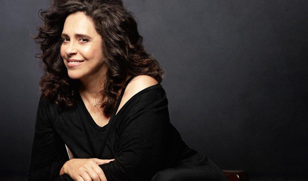 Aos 50 anos de carreira, Gal Costa critica censura atual às artes