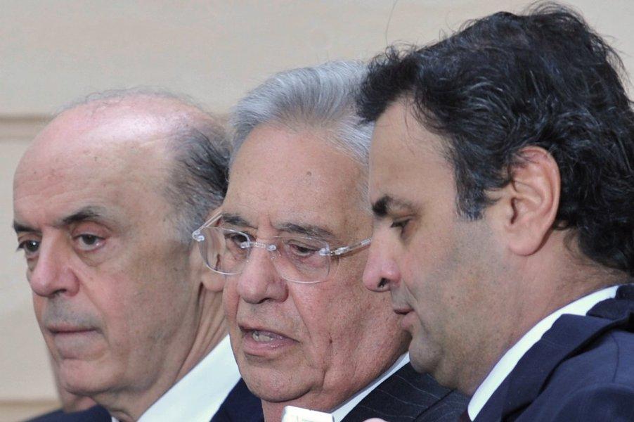 Aécio isola Serra e vai presidir o PSDB