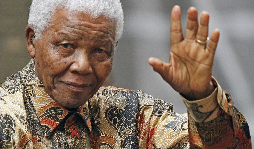 Há 28 anos, Mandela era libertado na África do Sul