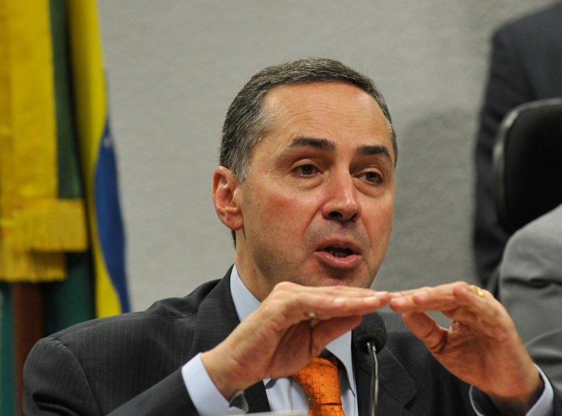 Barroso nega ação para barrar divulgação dos salários de juízes