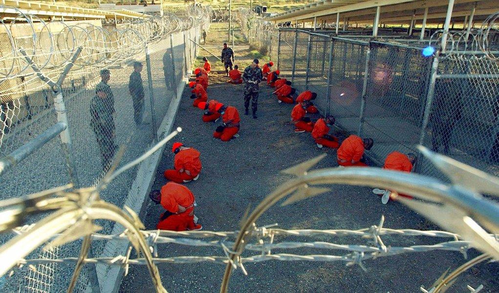 Terrorista processa EUA por mau tratamento em prisão federal