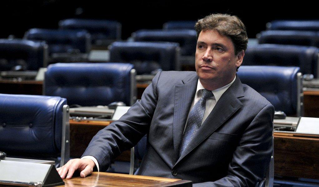 Candidatura de Demóstenes ao Senado é legítima, diz Wilder
