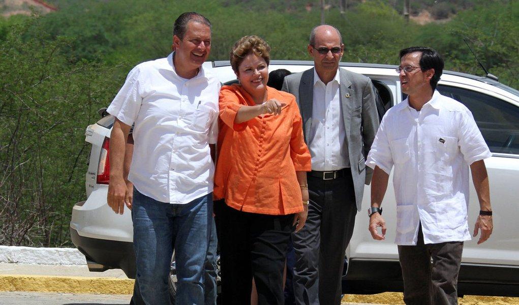 Campos nega troca de farpas com Dilma