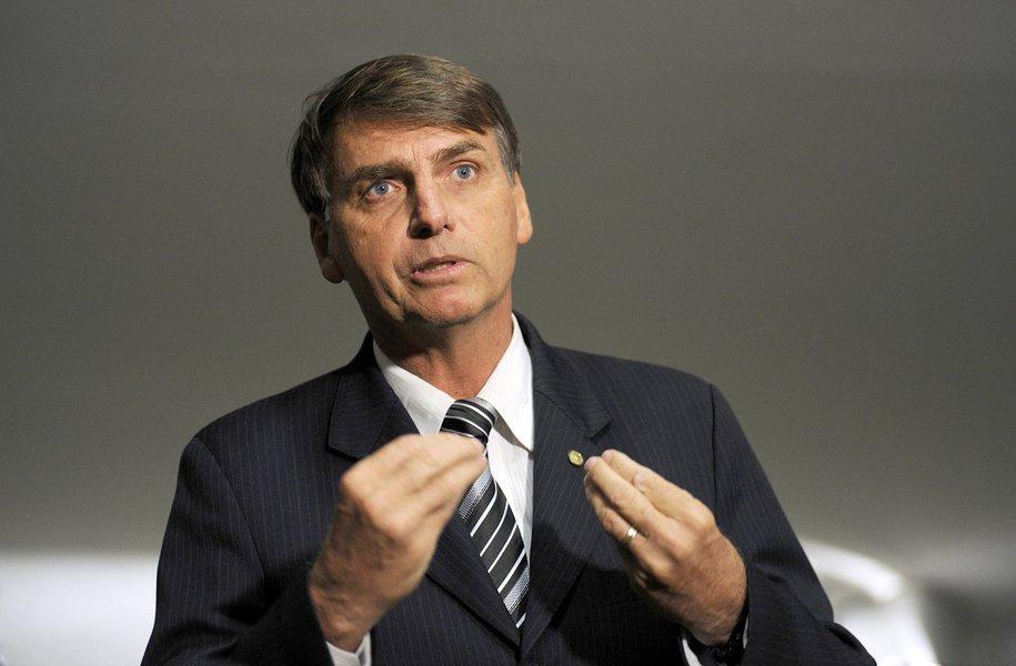 Sal�o Verde Entrevista Dep. Jair Bolsonaro fala sobre comissao da verdade  05.05.2010