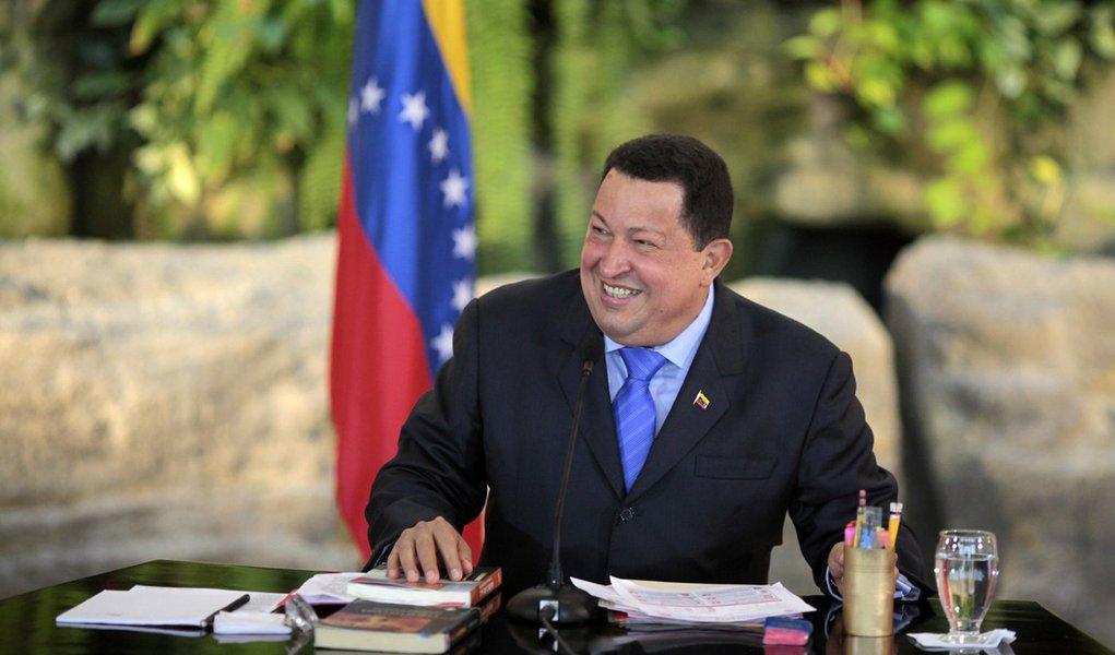 Agora no Mercosul, Chávez celebra interessados em negócios