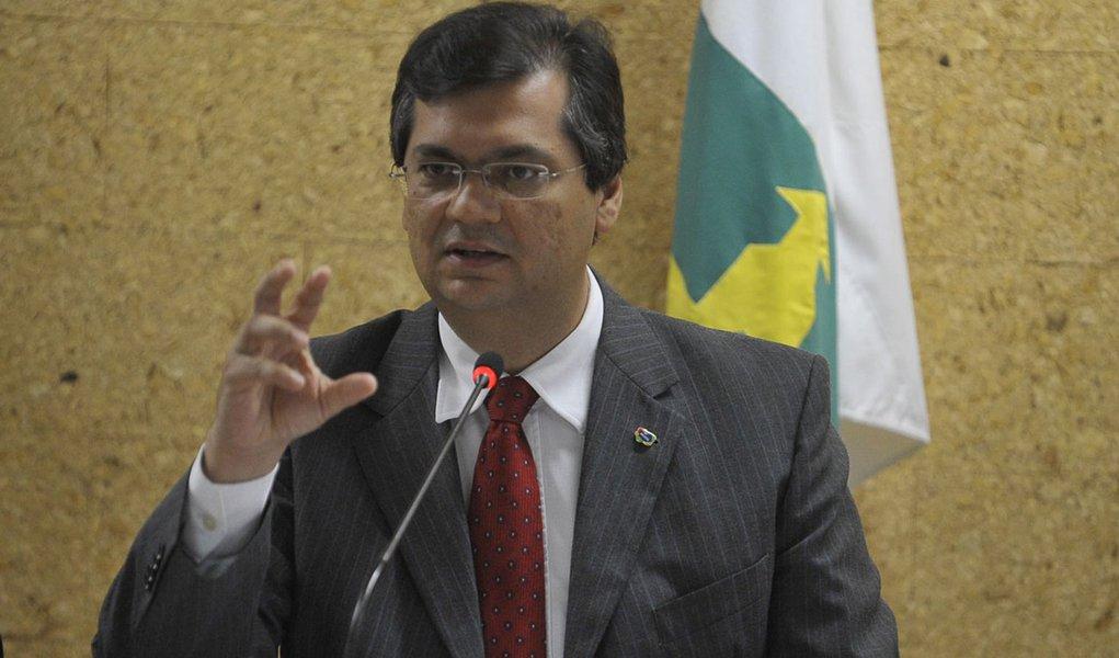 Brasília - O ministro do Turismo, Gastão Vieira, e o presidente da Embratur, Flávio Dino, apresentam os resultados da pesquisa Caracterização e Dimensionamento do Turismo Internacional no Brasil