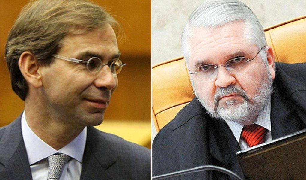 """Dr. Juca, advogado de Dirceu: """"O MP fechou os olhos para a prova dos autos"""""""