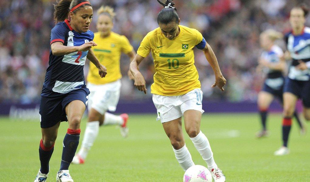 Seleção feminina sofre primeira derrota em Londres