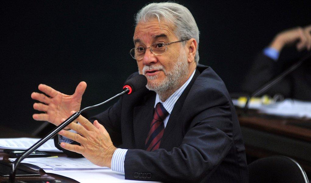 Emiliano José pode assumir Comunicação do PT