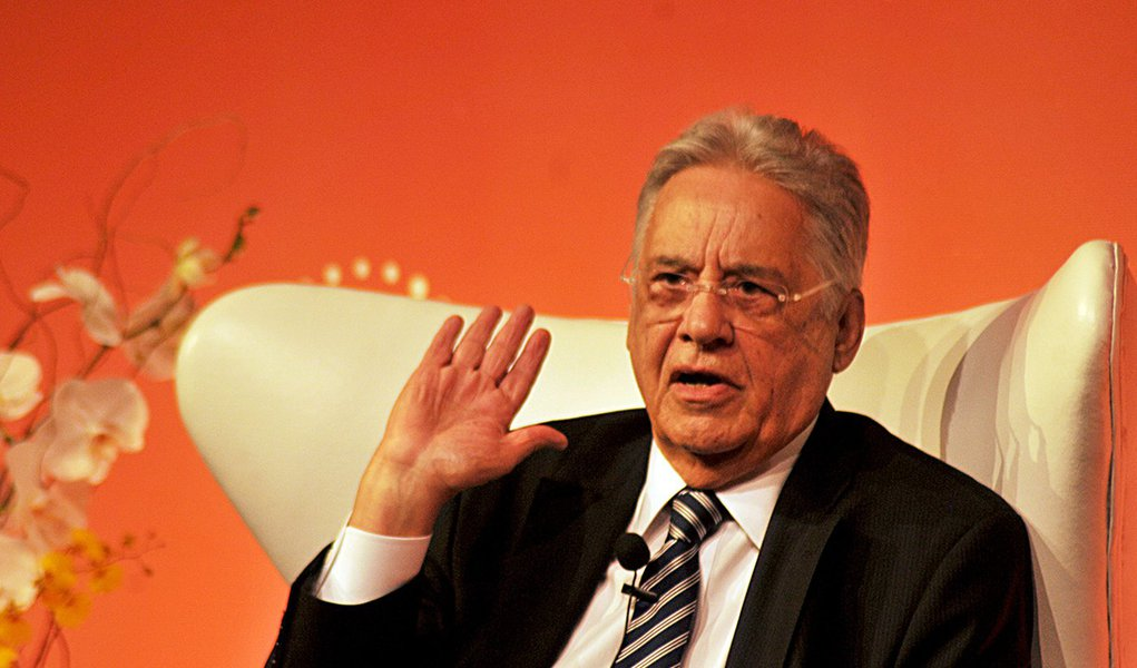 FHC nega pacto: governo Dilma 'não deve ser salvo'