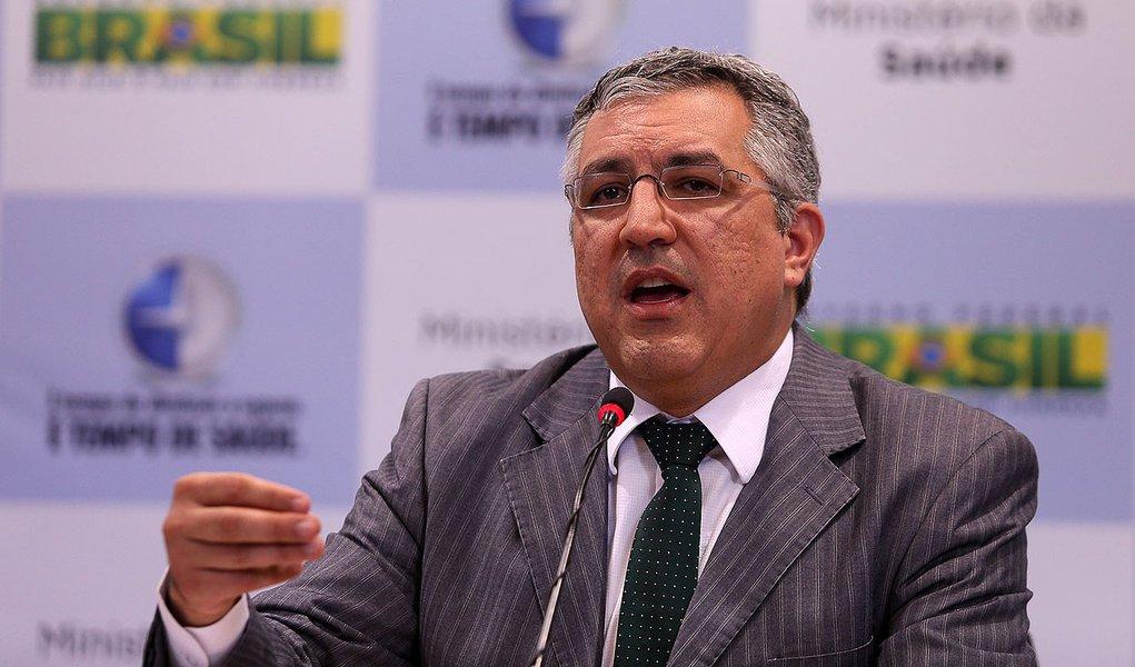 Padilha critica protesto contra o Mais Médicos