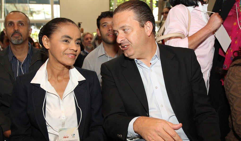 SÃO PAULO, SP, 28.10.2013: ENCONTRO PSB/REDE/SP - Marina Silva e o presidente do PSB, Eduardo Campos -  O Partido Socialista Brasileiro e a Rede Sustentabilidade realizam nesta segunda-feira, na Lapa (zona oeste), o primeiro encontro programático que tem
