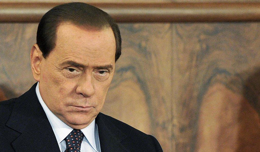 Tribunal condena Berlusconi a um ano de serviço comunitário